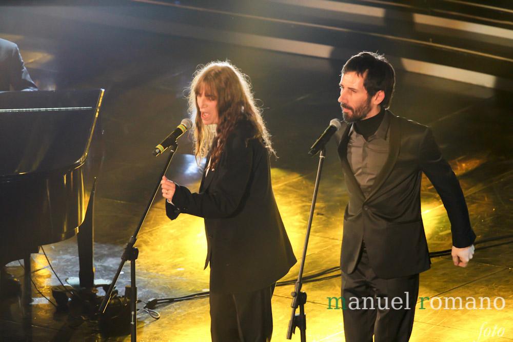Sanremo 2012: Patti Smith infiamma l'Ariston. Ripescati Carone-Dalla e D'Alessio-Bertè