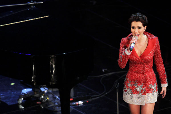 Sanremo 2013: Simona Molinari con Peter Cincotti all'Ariston. Foto: Manuel Romano\