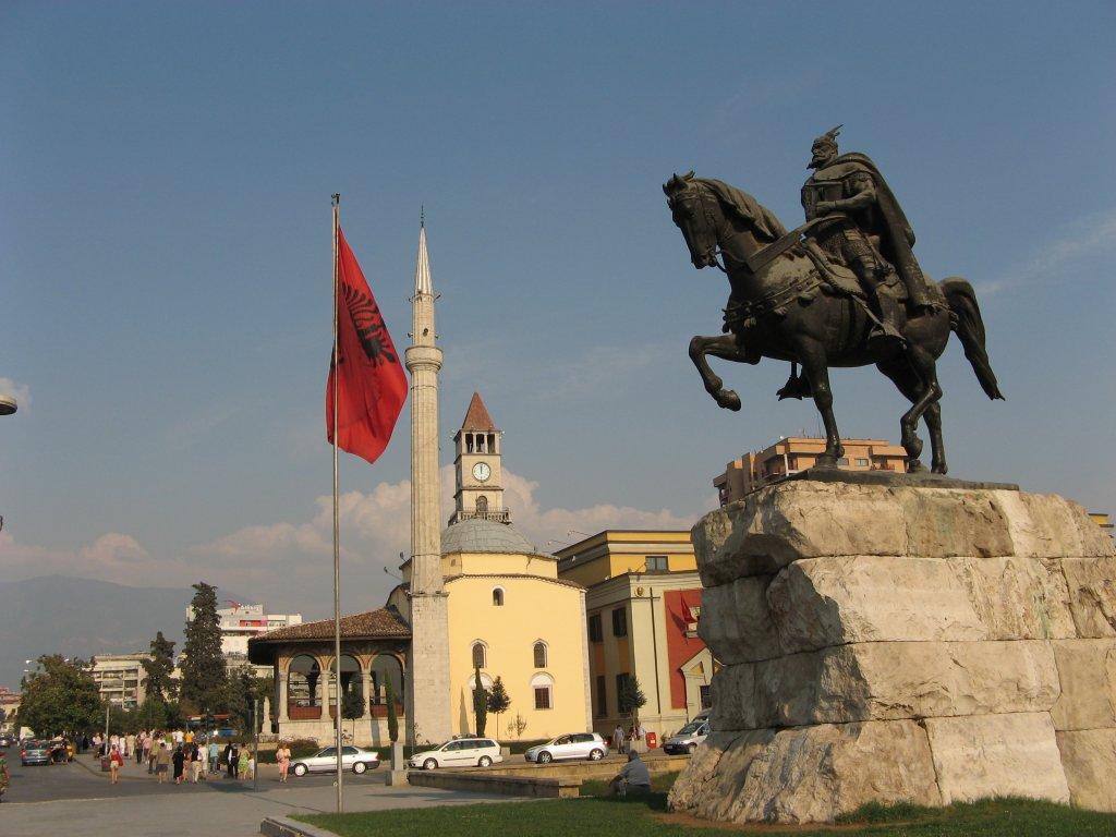 Festa della Bandiera Albanese, si commemora l'eroe nazionale Scanderbeg