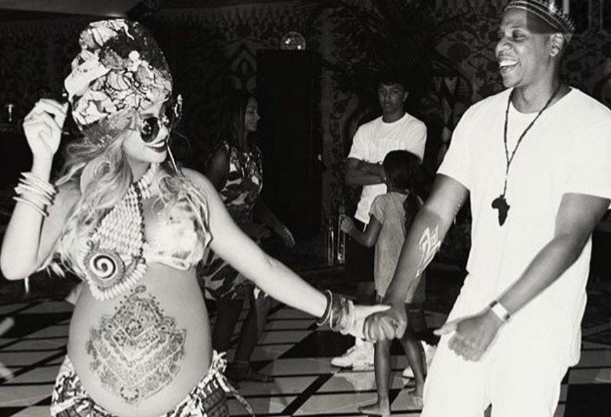 Beyoncé, canti e festeggiamenti in stile afro per il baby shower